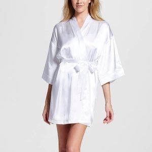 NWT Gilligan & O'Malley Bridal Robe True White
